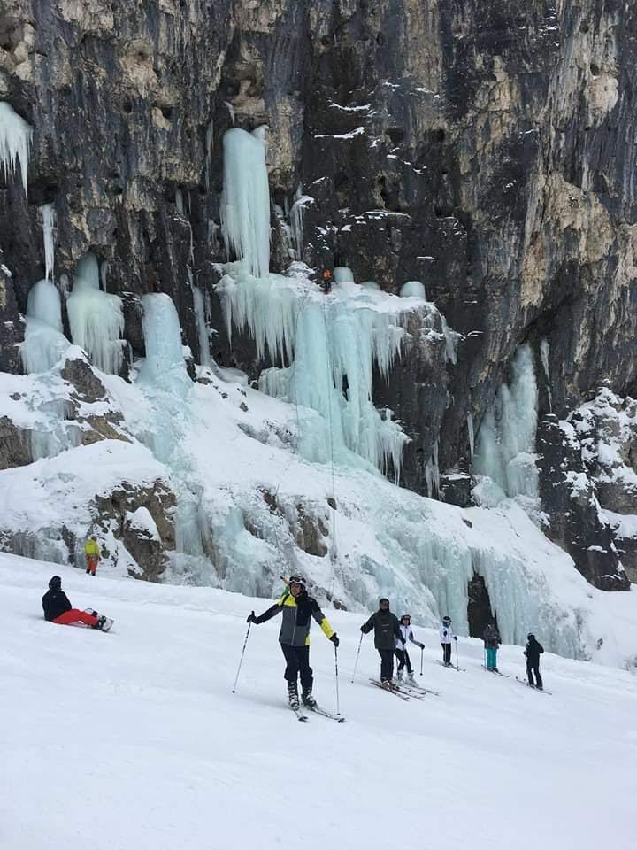 Plan de corones- cascata di neve